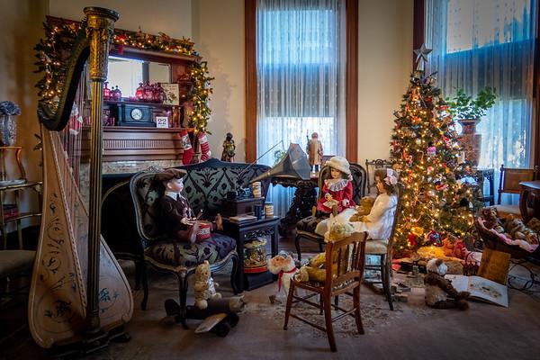 Victorian Christmas—Children Listen to Phonograph