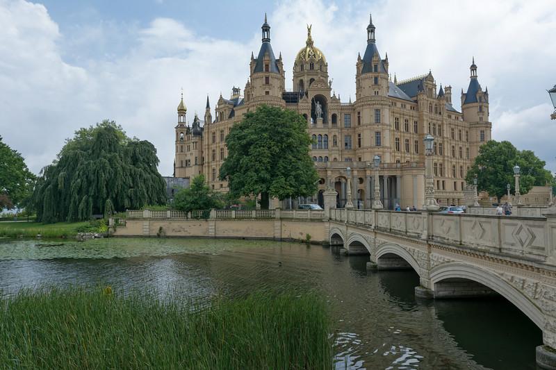 Das Schloss haben wir nicht besichtigt, aber auch von aussen war es sehenswert.