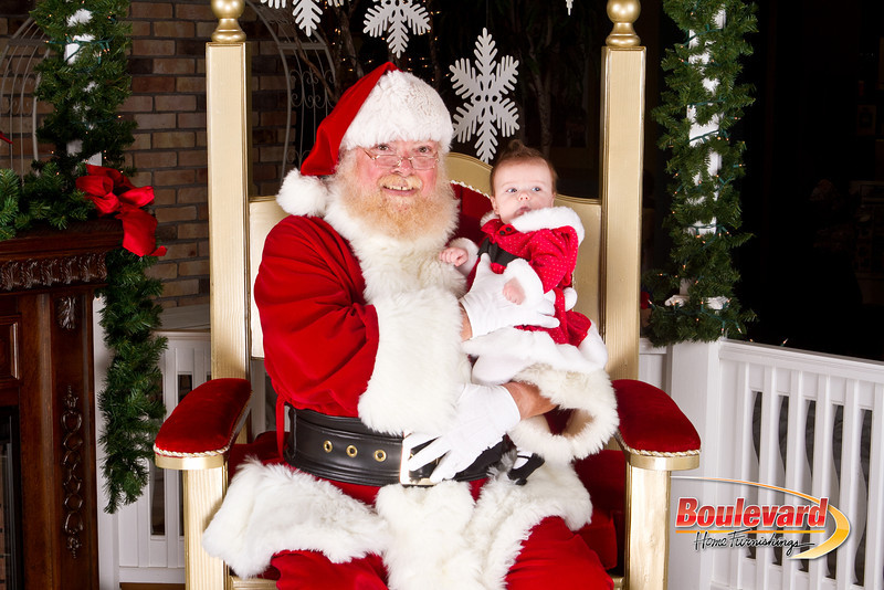 Santa Dec 8-179.jpg