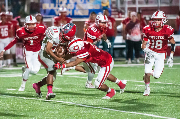 October 27, 2017 - Football - Juarez-Lincoln Huskies vs La Joya Coyotes - Game Action_LG