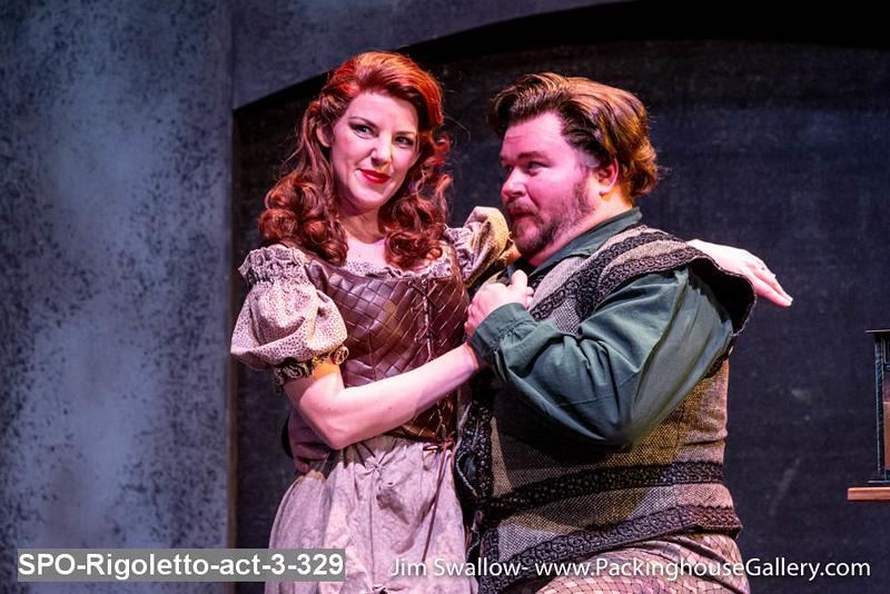 SPO-Rigoletto-act-3-329.jpg