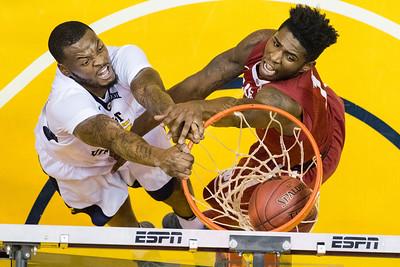 33041 Men's Basketball Action Oklahoma January 2017