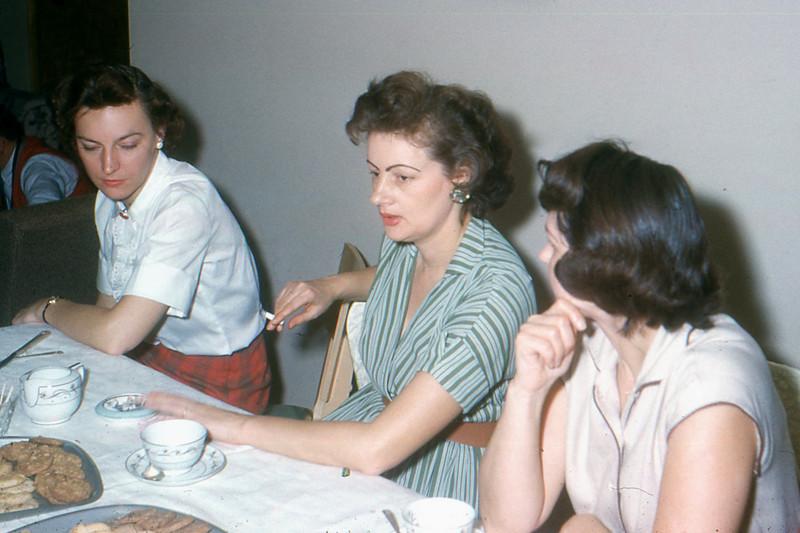 1960 - 12 Neighbors and Mom
