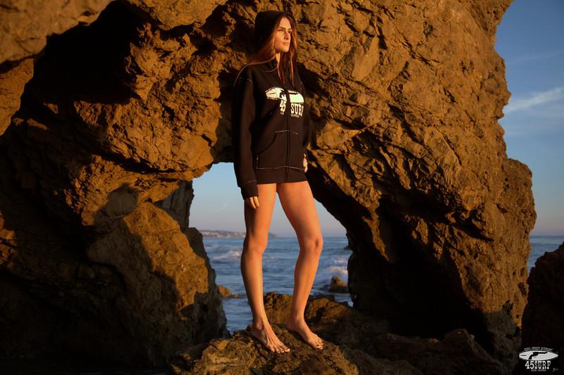 45surf bikini swimsuit model hot pretty brunette tall thin 45 1210.best.book.,,.,.jpg