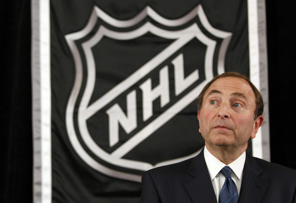 ". 8. (tie) NHL <p>Even Gary Bettman�s boys aren�t clueless enough to expand to 34 teams. (unranked) </p><p><b><a href=""http://www.torontosun.com/2014/08/27/not-in-our-plans-nhl-shoots-down-expansion-report\"" target=\""_blank\""> LINK </a></b> </p><p>     (AP Photo/Mary Altaffer)</p>"