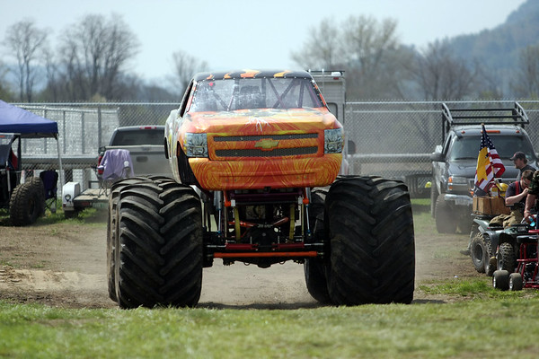 Monster Trucks 05-02-10
