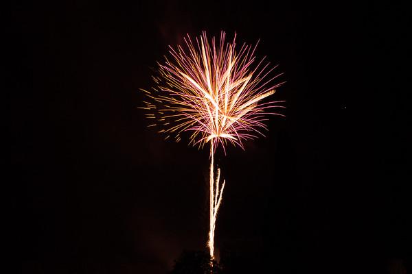 2018 - Dunorlan Park Fireworks 017_