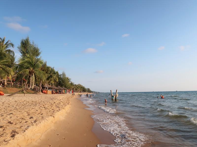 IMG_9086-beach-at-novotel.jpg