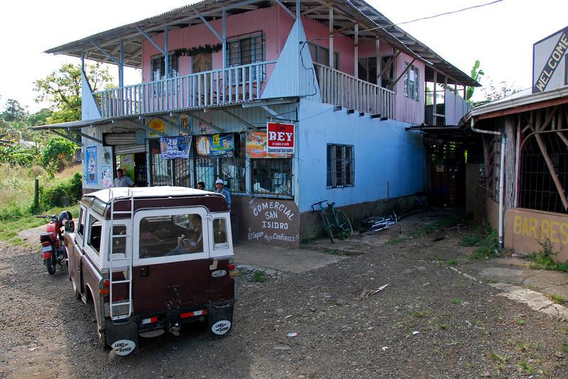 080126 0194 Costa Rica - La Fortuna to San Ramone Bus Trip _L ~E ~L.JPG