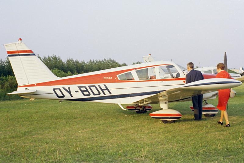 OY-BDH-PiperPA-28-180CherokeeE-Private-EKBI-1971-N14-01-KBVPCollection.jpg