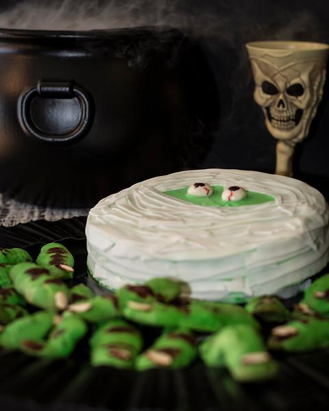 mummy cake 2.jpg