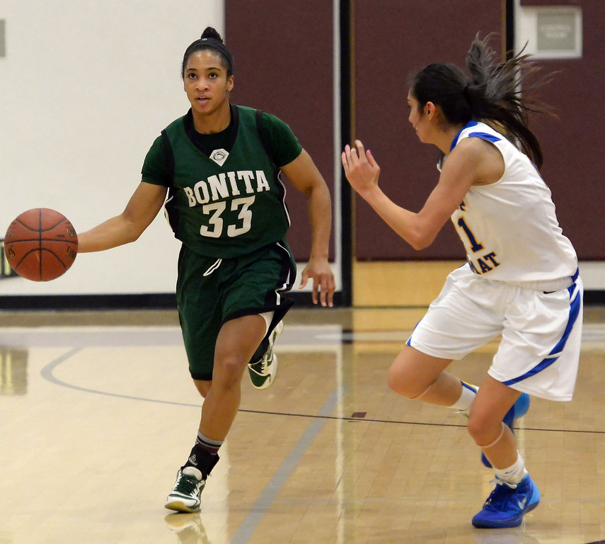 . Bonita\'s Nikki Wheatley (C) (33) in the first half of the Covina basketball tournament against Bishop Amat at Covina High School in Covina, Calif., on Saturday, Dec. 14, 2013. Bonita won 49-41.   (Keith Birmingham Pasadena Star-News)
