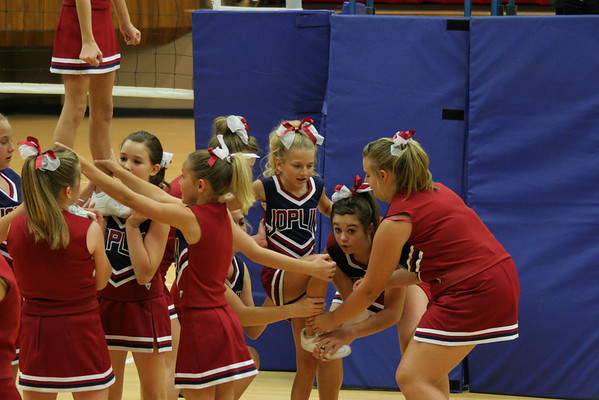 SMS 8th Grade Cheerleaders
