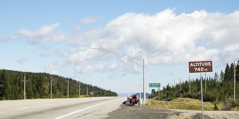 Altitude 740 mètres - Route 138