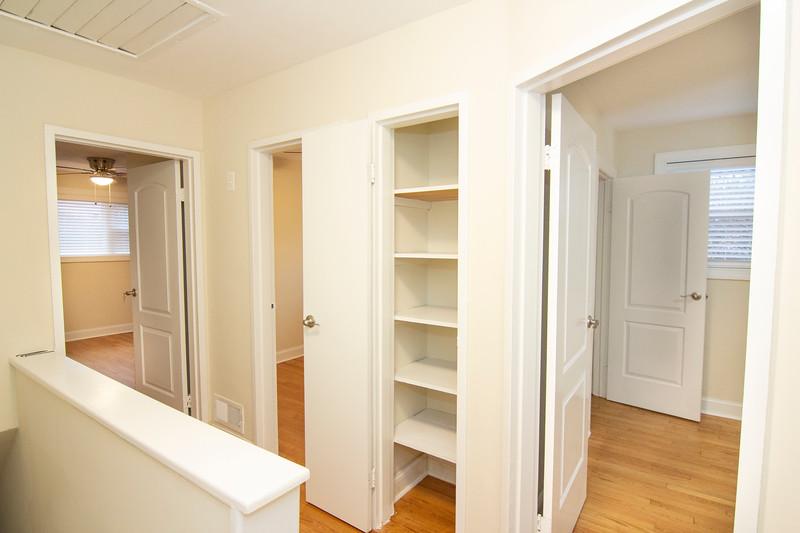 upstairs hall closet_MG_2735.jpg