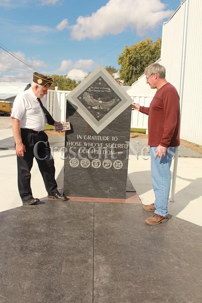 09-30-13 NEWS Ney Vets memorial