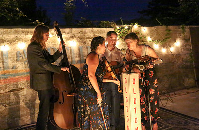 Bill and the Belles House Show