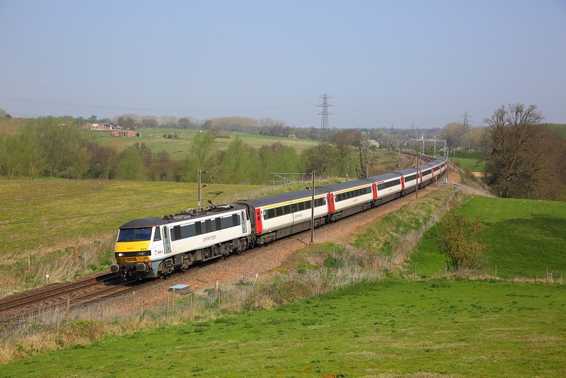 90013 on the 1P27 1000 Norwich to London Liverpool Street at Brantham on the 20th April 2018.JPG