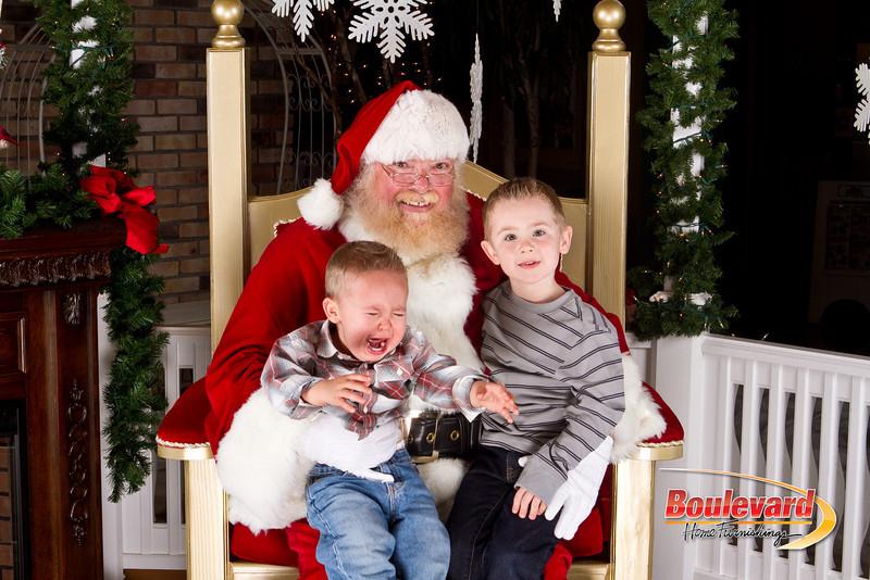 Santa Dec 8-151.jpg