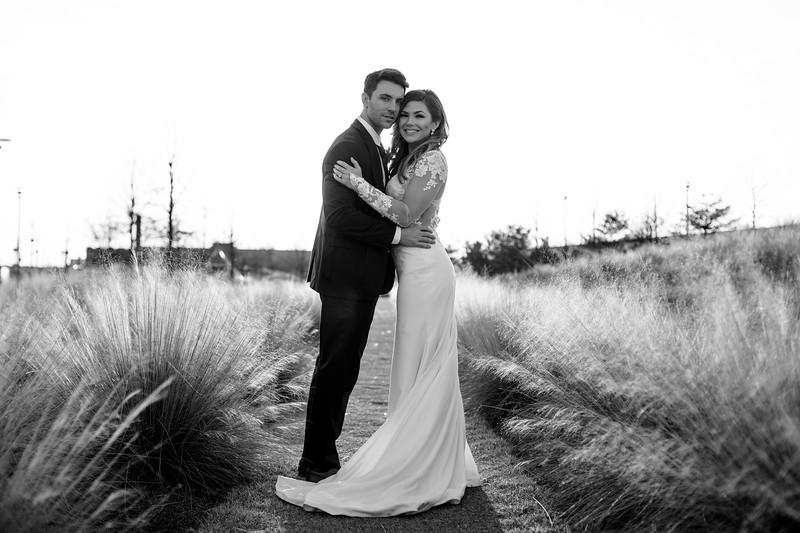 Kate&Josh_B&W_ZACH.WATHEN.PHOTOGRAPHER-448.jpg