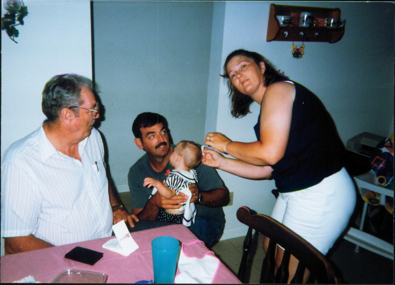Robert's Dad, Robert Harris, Shari