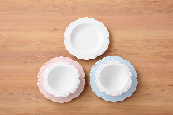 Reale dishware / High resolution image