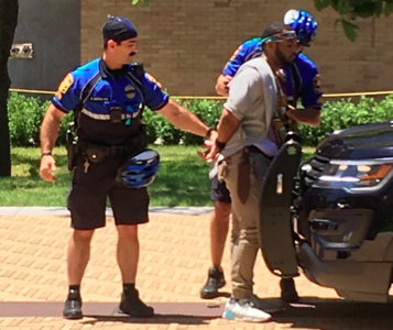 police-motive-unclear-for-university-of-texas-stabbings