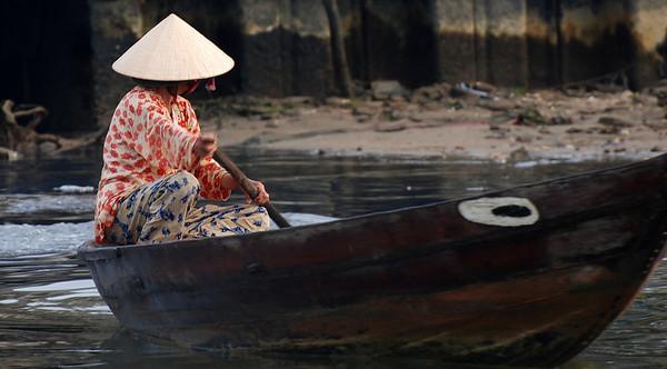 Thu Bon River in Hoi An - March 2008 pt. 1