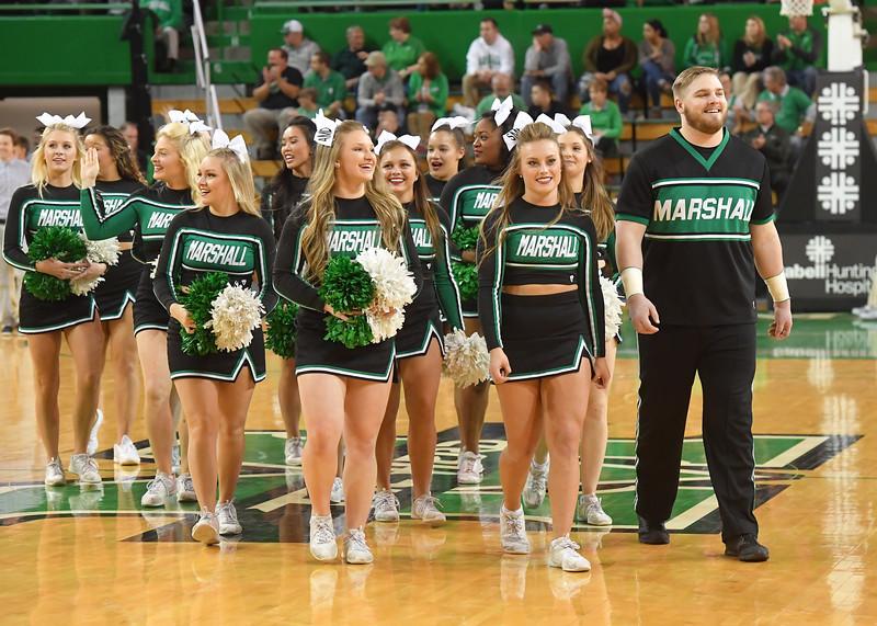 cheerleaders0417.jpg