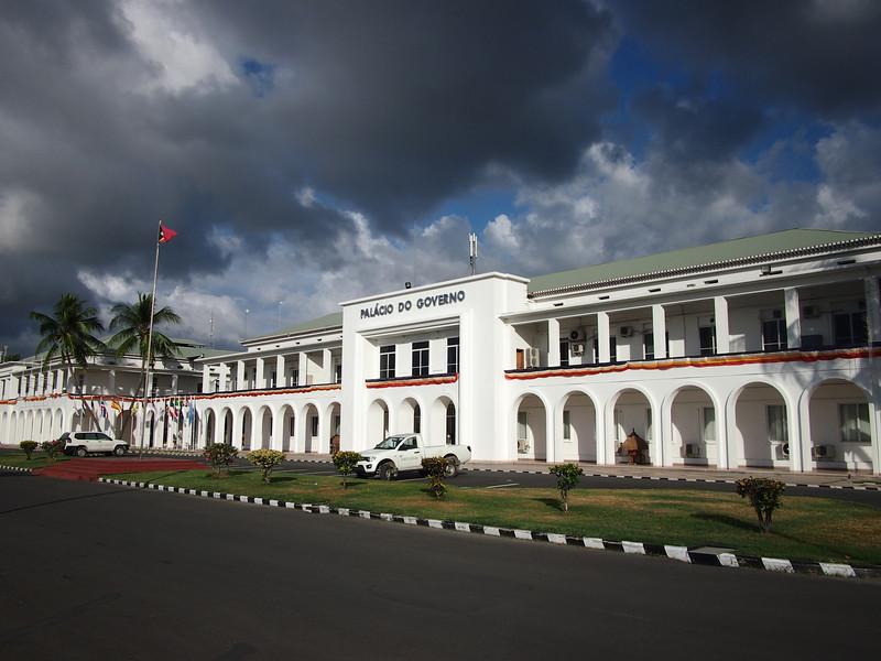P5258863-government-palace.JPG