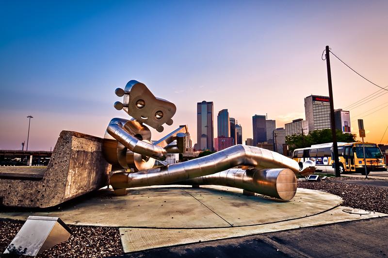 The Travelling Man Sitting in Dallas' Deep Ellem