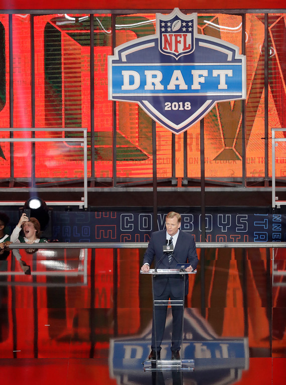 . Commissioner Roger Goodell announces the Cleveland Browns selection of Oklahoma\'s Baker Mayfield during the first round of the NFL football draft, Thursday, April 26, 2018, in Arlington, Texas. (AP Photo/Eric Gay)