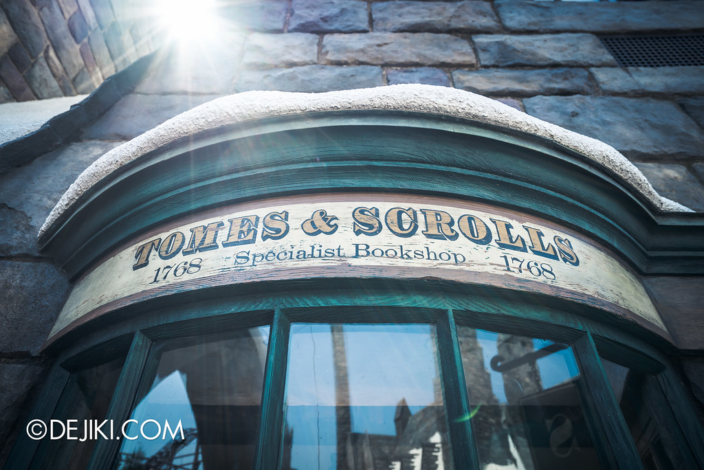 Universal Studios Japan - The Wizarding World of Harry Potter - Hogsmeade Tombs and Scrolls window
