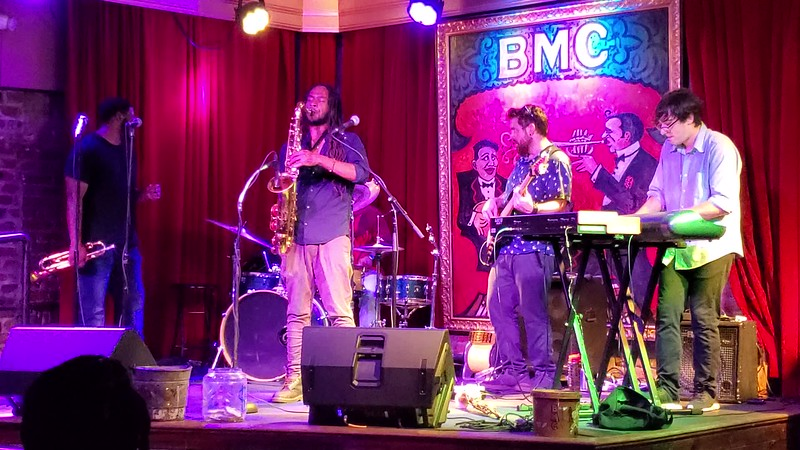 20190613 New Orleans Phone Live Music Videos 013.MP4
