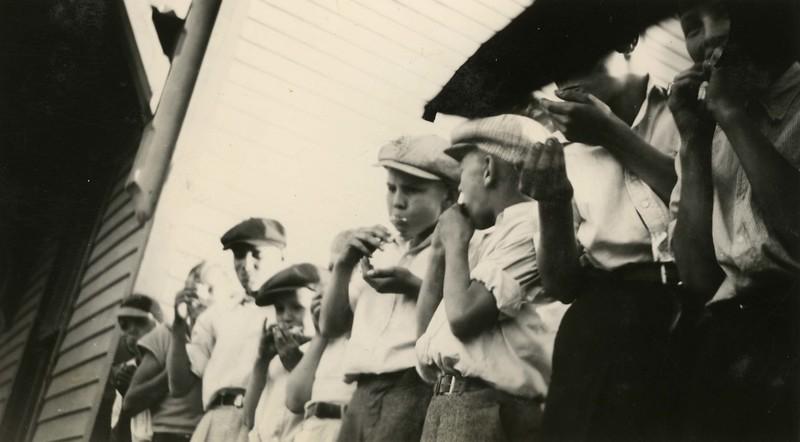 JB297.  Cracker eating contest – Arthur – 21 Jun 1936.jpg