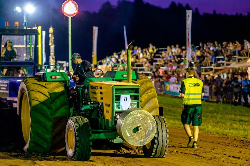 Tractor Pulling 2015-2193.jpg