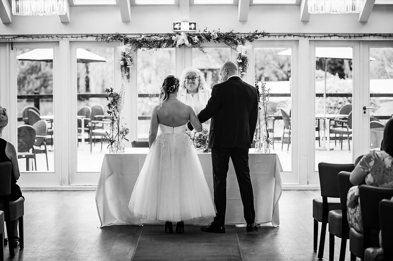 Sam_and_Louisa_wedding_great_hallingbury_manor_hotel_ben_savell_photography-0050.jpg