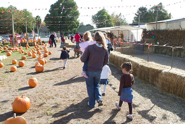 20091027 - Pumpkin Patch