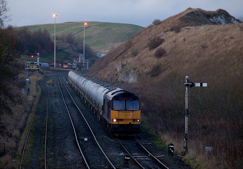 EWS 60051 with rock train to Tunstead Works in Great Rocks Jct.