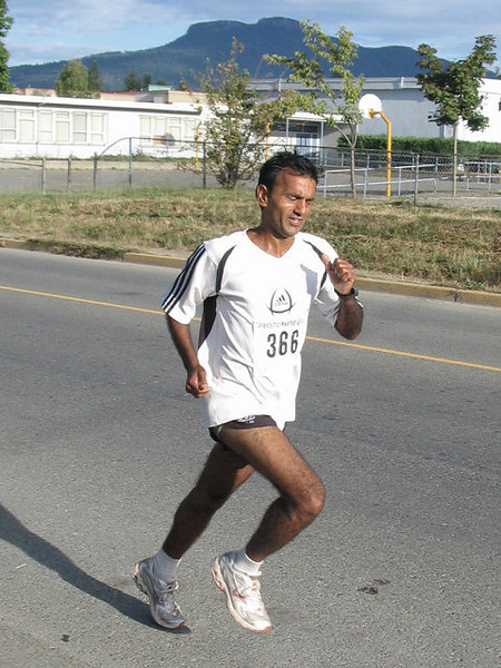 2005 Run Cowichan 10K - img0106.jpg
