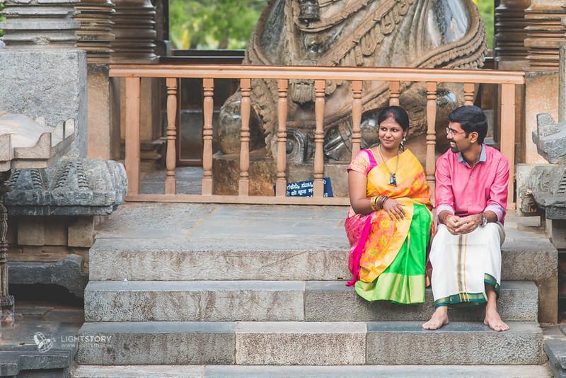 LightStory-CoupleShoot-Hassan-Bangalore-Hoysaleswara-Halebidu-Sunflowers-013.jpg