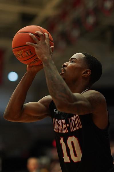 Men's Basketball vs Winthrop
