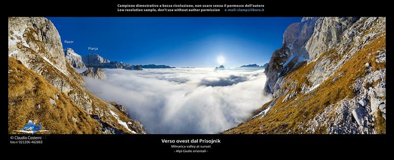 Mare di nubi dal Prisojnik Alpi Giulie orientali  Foto Claudio Costerni n.021206-462865