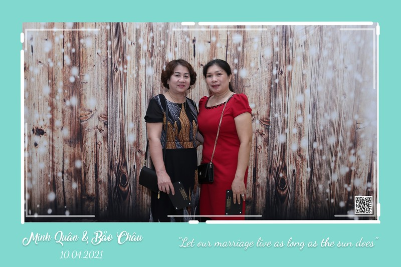QC-wedding-instant-print-photobooth-Chup-hinh-lay-lien-in-anh-lay-ngay-Tiec-cuoi-WefieBox-Photobooth-Vietnam-cho-thue-photo-booth-022.jpg