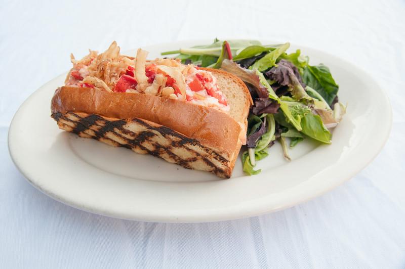mtktavern_mountkisco_Lobster Roll 1.JPG
