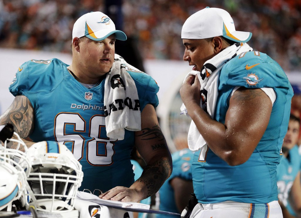 """. <p>8. RICHIE INCOGNITO & JONATHAN MARTIN <p>We�re guessing the bully gets another job before the wimp does. (3) <p><b><a href=\' http://www.twincities.com/sports/ci_25161928/bullygate-dolphins-players-sided-bad-guys\' target=\""""_blank\""""> HUH?</a></b> <p>    (AP Photo/Wilfredo Lee, File)"""