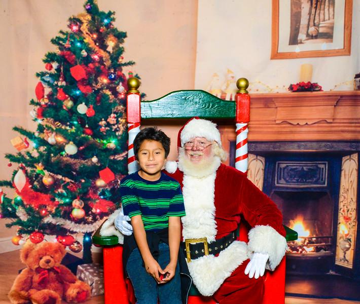 Santa Elmore 2016-12184.jpg
