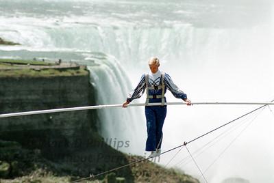 Niagara Falls: Jay Cochrane