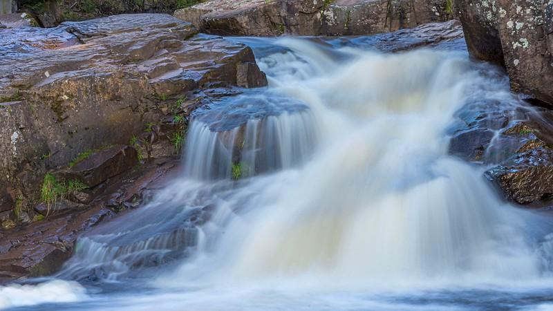 Another, tighter, shot of the falls below the upper bridge along Seven Bridges Road.