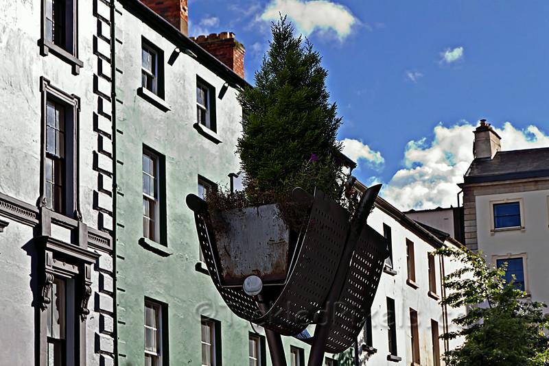 Waterford Tree Basket